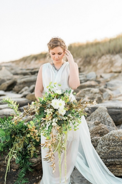 Simple-driftwood-themed-beach-wedding-7