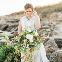 Simple-driftwood-themed-beach-wedding-7